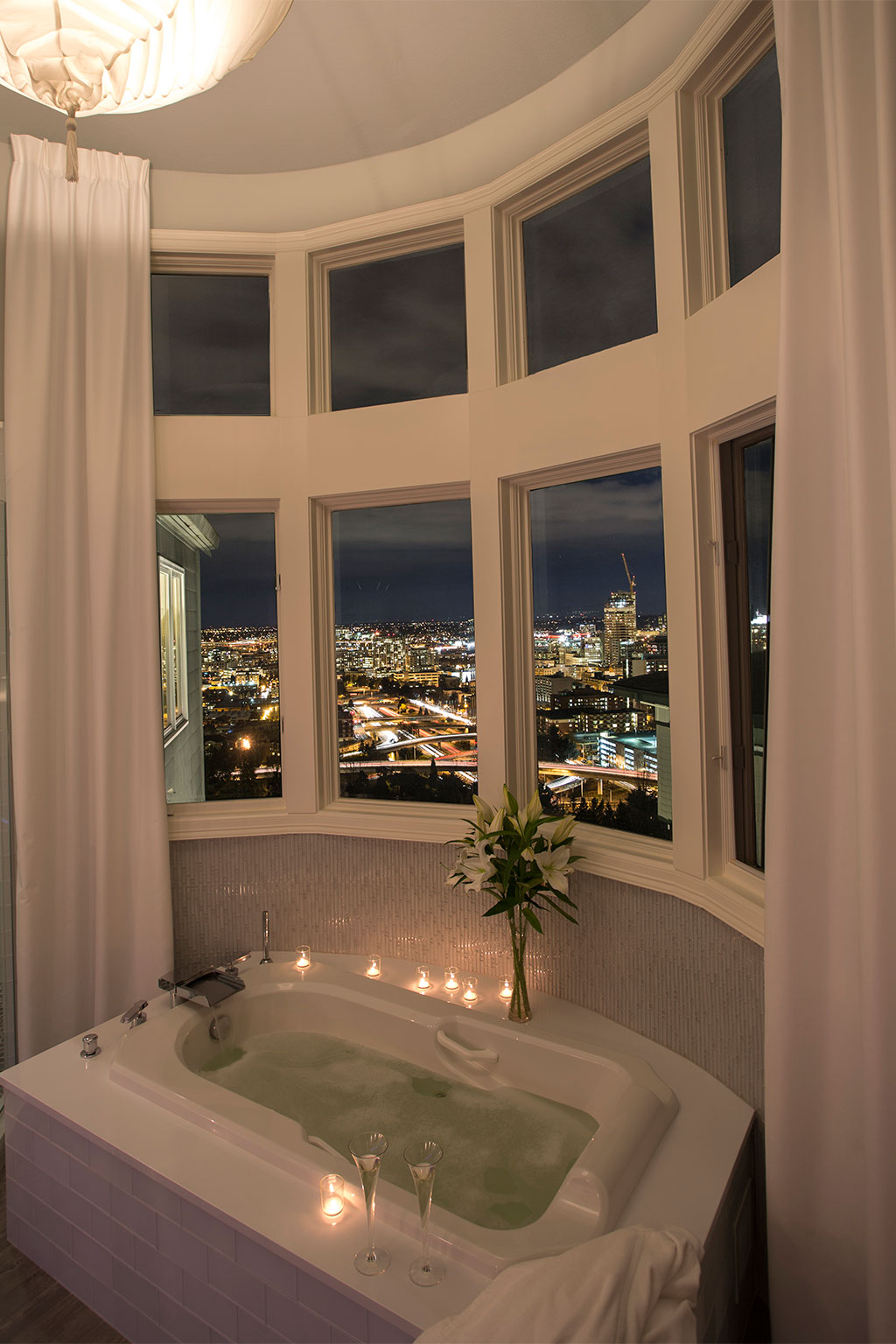 Portland luxury bath paul hegarty construction for Portland baths